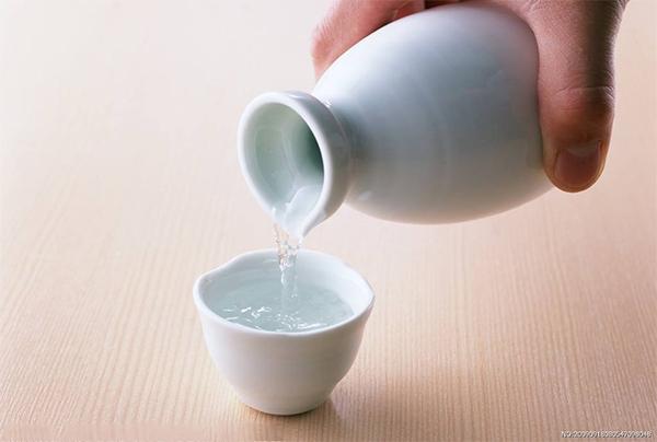 多功能净化柱-液相色谱法测定白酒中赭曲霉毒素含量