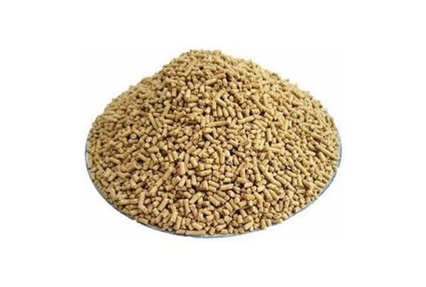 多功能净化柱-液相色谱法测定玉米饲料中黄曲霉素含量