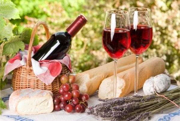 红酒中风味物质的SPME-GCMS分析